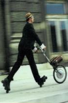 Männer mit Hut im Verkehr sind die gefährlichsten