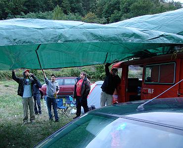 Frech: Was ihr da baut ist größer als das Dach der temp~ Open Air Stage.